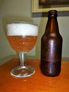 Cerveja Cidade Alta Honey Blond Ale, estilo Belgian Blond Ale, produzida por Microcervejaria Cidade Alta, Brasil. 6.6% ABV de álcool.