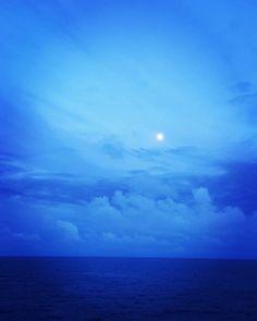 Lua vai dizer... #lifeatsea #offshorelife #offshore #fullmoon #vidaabordo #luacheia #lua by csvini