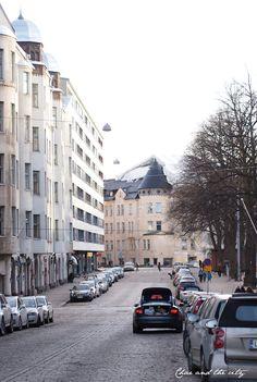 Helsinki, Ullanlinna: http://divaaniblogit.fi/charandthecity/2014/04/22/kultaseppa-kulmala/