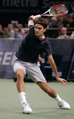 Brilliant Tennis Photography Thread - Page 14 - MensTennisForums.  Complete body balance by Roger