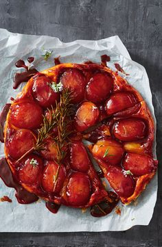 Pink lady apples are the perfect choice in this sweet caramel Aussie tarte tatin – it's a total crowd pleaser. Sweet Pie, Sweet Tarts, Pink Lady Apples, Dinner This Week, Winter Desserts, Tart Recipes, Food Photography, Brunch, Food And Drink
