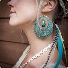 Give your jewelry the oxidized or corroded look with this diy...