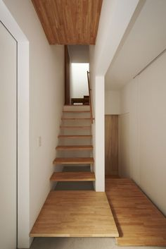 Simple Wooden Stairs For Small Spaces In Modern Home Design Interior