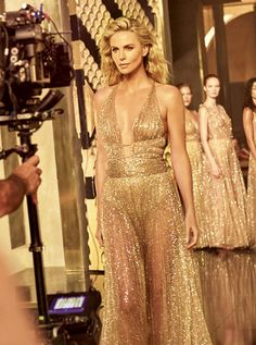 Charlize Theron Source — BTS of shooting new Dior J'Adore Absolu campaign. Charlize Theron Style, Dior Gown, Celebs, Celebrities, Gold Dress, Cool Costumes, Beautiful Actresses, My Girl, Glamour
