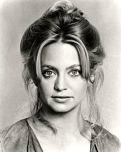 goldie hawn - looking young
