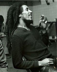Hoy Se cumplen 34 años de la partida física del astro del #reggae, Bob Marley Original #Rastafari