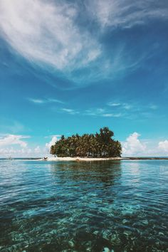 by Barnaby Kent Island hopping around Siargao, Philippines