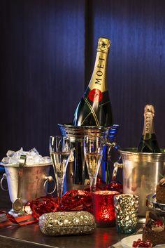 It's time to shine! Champagne in coolers and glitter decor. Carnival 2015 is on! // Czas na błysk! Zimny szampan i brokatowe dekoracje. Karnawał 2015 już jest!