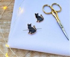 Handmade Handcrafted Magnetic NEEDLE MINDER NEEDLE KEEPER You Choose Your Style!