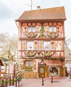 Why You Should Visit the Colmar Christmas Market in Alsace - Grace J. Travel Pictures, Travel Photos, Best Airfare, Christmas Markets Europe, Bucket List Destinations, Travel Guides, Travel Tips, Alsace, Winter Theme