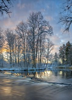 Beautiful Winter Pictures, Nature Pictures, Pretty Pictures, Beautiful Images, Winter Photography, Landscape Photography, Nature Photography, Waterfall Fountain, Winter Scenery