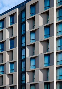 Photo of Hampton by Hilton London Waterloo Hotel Architecture, Sustainable Architecture, Residential Architecture, Architecture Details, Building Exterior, Building Facade, Facade Design, Exterior Design, Concrete Facade