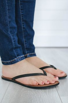 Flip Flops Girls Size 12 Flip Flop Sandals For Women Balenciaga Shoes, Gucci Shoes, Fashion Heels, Fashion Boots, Flip Flop Shoes, Flip Flops, On Shoes, Shoes Sandals, Women Sandals