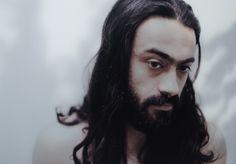 Picture an Arab Man (depuis 2009) de Tamara Abdul Hadi (Irak). Photoquai 2013. Vu le 21 et 26 septembre 2013.