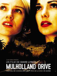 """Mulholland Drive est un film américaino-français écrit et réalisé par David Lynch entre 1999 et 2000, sorti en 2001.Le film, qui révéla Naomi Watts, Laura Harring et Justin Theroux, remporta le prix de la mise en scène au festival de Cannes .David Lynch définit son film comme suit : """"Il s'agit du rêve de Hollywood, d'une relation entre deux filles différentes et d'un polar, avec des virages intéressants."""""""