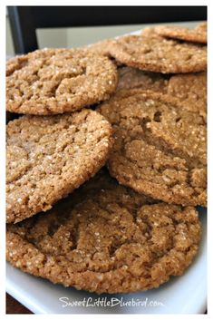 BEST OLD-FASHIONED MOLASSES COOKIES - Perfectly spiced old-fashioned molasses cookies - crispy on the edges, with a soft, chewy center. These nostalgic cookies are a cinch to make and are a wonderful addition to holiday cookie trays - perfect for cookie swaps too. They also make a wonderful gift. #Best #MolassesCookies #Recipe #HolidayCookies #OldFashionedCookies