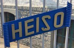 Warum eigentlich die Marke HEISO 1870?  HEISO wurde 1870 von Wilhelm Heinen gegründet und unsere Schneidwaren tragen seitdem die Markierung HEISO. Aus Dankbarkeit haben wir uns im Zuge unserer Neuerfindung im Jahr 2016 dazu entschieden das Gründungsjahr mit aufzunehmen. Auch heute befindet sich das Betriebsgelände noch an der Stelle in Solingen an der es sich auch im Jahre 1870 befunden hat. #küchenmesser #kochmesser #heiso1870 #messerset #solingen #rezepte #kochen #küche #scharf #design