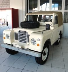 LAND ROVER 88 - 110 Serie III SWB Soft Top, 1979, restored