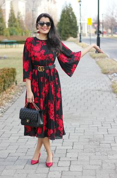 7cb5338cfb39 Getting Ready For Spring  Bell Sleeves Dresses Are Still A Big Trend For  2018