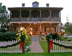 florida christmas porches   View from side of Inn - Picture of River Park Inn, Green Cove Springs ...