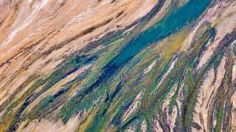 In pictures: Australia's Lake Eyre from the sky - BBC News