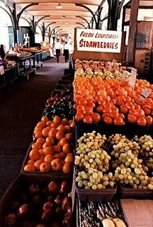 The French Market is a signature stop for anyone visiting the Big Easy, where fresh fruit and vegetables along with classic NOLA cuisine are sold. New Market, Farmers Market, Mardi Gras, Fresco, New Orleans Travel, New Orleans Louisiana, All Things New, Cajun Recipes, Wonderful Places