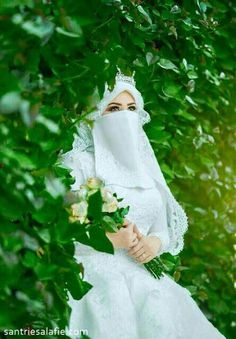 Tips Islami menjaga Kecantikan Wedding Abaya, Muslimah Wedding Dress, Muslim Wedding Dresses, Muslim Brides, Mother Of Groom Dresses, Arab Girls Hijab, Girl Hijab, Hijabi Girl, Muslim Girls