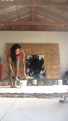 Sarah Sandin in her studio. Artist at work Artist Art, Artist At Work, Artist Workspace, Painters Studio, Dream Art, Art Studios, Portraits, Abstract Expressionism, Painting Inspiration