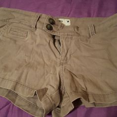 Short Gray American Eagle shorts! Good condition, excuse the wrinkles! :) size 2 American Eagle Outfitters Shorts