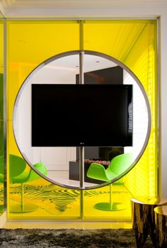 rotatable tv, awesome idea