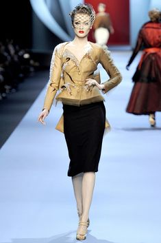 Christian Dior Spring 2011 Couture Fashion Show Collection