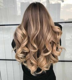 Discover here the Best Ideas of Balayage Hairstyle for Long Wavy Hair. Just wear… Discover here the Best Ideas of Balayage Hairstyle for Long Wavy Hair. Just wear this Style and it's time to Inspired the other girls. Ombre Hair, Wavy Hair, Dyed Hair, Curled Hair Prom, Blonde Prom Hair, Hair For Prom, Blonde Balayage Highlights, Color Highlights, Curly Hair Styles