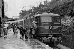Ist Electric Loco -hauled Train to Lithgow, NSW