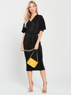 Browse our great selection of Bags, Clutches & Purses at Littlewoods Ireland. Shop now to get free delivery & returns on all online orders! Dresses For Work, Dresses With Sleeves, Work Outfits, Latest Trends, Kimono, Cold Shoulder Dress, Dress Black, River Island, Shopping