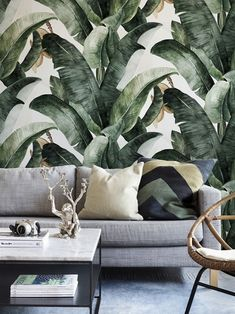 Wallpaper Accent Wall - Interior design inspiration // How to use Banana leaf wallpaper // Shades of gre. Estilo Tropical, Tropical Home Decor, Tropical Interior, Luxury Interior, Tropical Furniture, Tropical Colors, Accent Wall Bedroom, Living Room Wallpaper Accent Wall, Accent Wallpaper