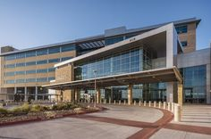 Carl R. Darnall Army Medical Center, Killeen, United States: The public, patient and staff psychology is positively affected by the selection of warm and inviting materials, clear wayfinding, landscaped courtyards, gym, walking trails and outdoor exercise areas.