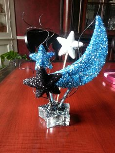 Moon and stars table centerpiece