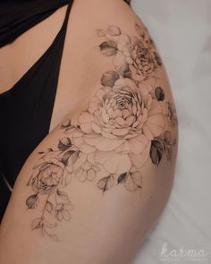 Side Hip Tattoos, Hip Tattoos For Girls, Hip Thigh Tattoos, Upper Thigh Tattoos, Girl Leg Tattoos, Leg Tattoos Women, Thigh Tattoo Designs, Small Tattoos, Side Of Thigh Tattoo