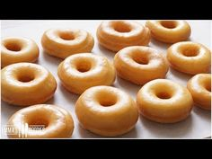 Melt In Your Mouth Glazed Donuts Recipe ( How to make the BEST Yeast Donuts ! ) Homemade Donuts - Melt In Your Mouth Glazed Donuts Recipe ( How to make the BEST Yeast Donuts ! Best Donut Recipe, Donut Recipes, Baking Recipes, Cake Recipes, Beignets, Raised Donuts, Yeast Donuts, Donuts Donuts, Goody Recipe