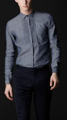 Casual Shirts for Men Mens Indian Wear, Indian Men Fashion, Mens Fashion Wear, Fashion Moda, Stylish Shirts, Stylish Men, Men Casual, Formal Shirts For Men, Mens Designer Shirts