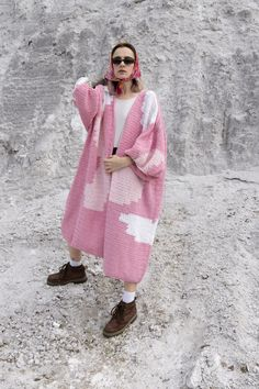 Huge Handmade Crochet Cardigan in Pink/White. Maxi Cardigan with Puff Sleeves. Oversized Cardigan Outfit, Maxi Cardigan, Cardigan Outfits, Cotton Cardigan, Crochet Cardigan, Summer Cardigan, Summer Coats, Hand Knitted Sweaters, Cool Street Fashion