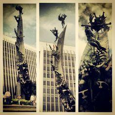 Monumento a la raza del maestro Rodrigo Arenas Betancourt en la Sede Administrativa La Alpujarra. Medellín,Antioquia (Colombia) Photo by g_arango Colombian Art, Gabriel, Batman, Instagram Posts, Fictional Characters, May 12, Sands, Monuments, Art