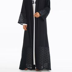Nida and Lace Open Abaya provides a totally different way to look modest in a high-fashion design. Made from pure cotton lace fabric and wrinkle-free, gives a stunning look Possesses smooth Nida texture. Hijab Dress Party, Hijab Outfit, Black Hijab, Maxi Cardigan, Cotton Lace, Lace Fabric, Jumpers, Scarfs, Hijab Fashion