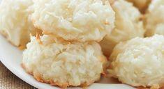 Os Biscoitinhos de Coco com Leite Condensado são deliciosos e muito fáceis de fazer. Perfeitos para o seu lanche, eles farão a alegria dos seus familiares