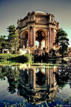Palace of Fine Arts, San Francisco, California. Photo © Ron Lim.
