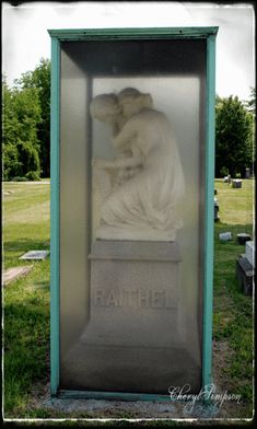Rosehill is a Victorian Era cemetery that was established in It is the largest cemetery in Chicago and is located on the North side. Cemetery Monuments, Cemetery Statues, Cemetery Headstones, Old Cemeteries, Cemetery Art, Graveyards, Abandoned Library, Post Mortem Photography, Beautiful Ruins