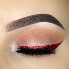 Winged eyeliner is one of the most popular trends these days. But not every one of you knows about all the possible options that this look comes with. That is why we decided to present to your attention a set of cat eye ideas that can suit many occasions and you will never look all the same no matter where you go!