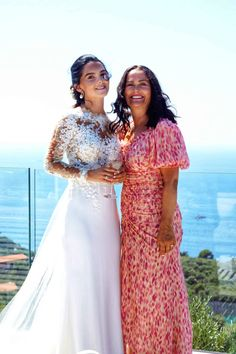 BRYLLUP I SORRENTO - Bryllupsglede, mother of the bride Italian Weddings, Sorrento, Mother Of The Bride, Sari, Instagram, Fashion, Brother, Mother Bride, Saree