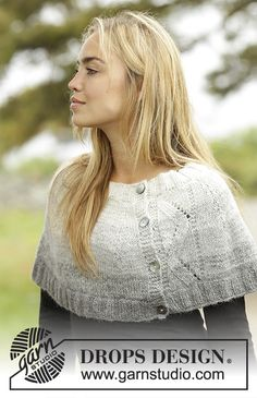 Ashley / DROPS Extra - Knitted capelet with gradient colours, lace pattern and rib in 2 strands DROPS Alpaca. - Free pattern by DROPS Design Drops Design, Poncho Knitting Patterns, Free Knitting, Knitting Tutorials, Crochet Woman, Knit Crochet, Tunisian Crochet, Crochet Granny, Knitted Capelet