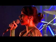 Nouvelle Vague - In A Manner Of Speaking (Live in Lisbon, Portugal) great Depeche Mode Cover